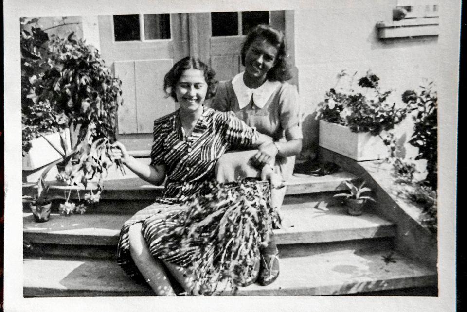 Danka Szulcówna (z prawej) - matka Katarzyny Męczyńskiej - i Hanka Szyllerówna
