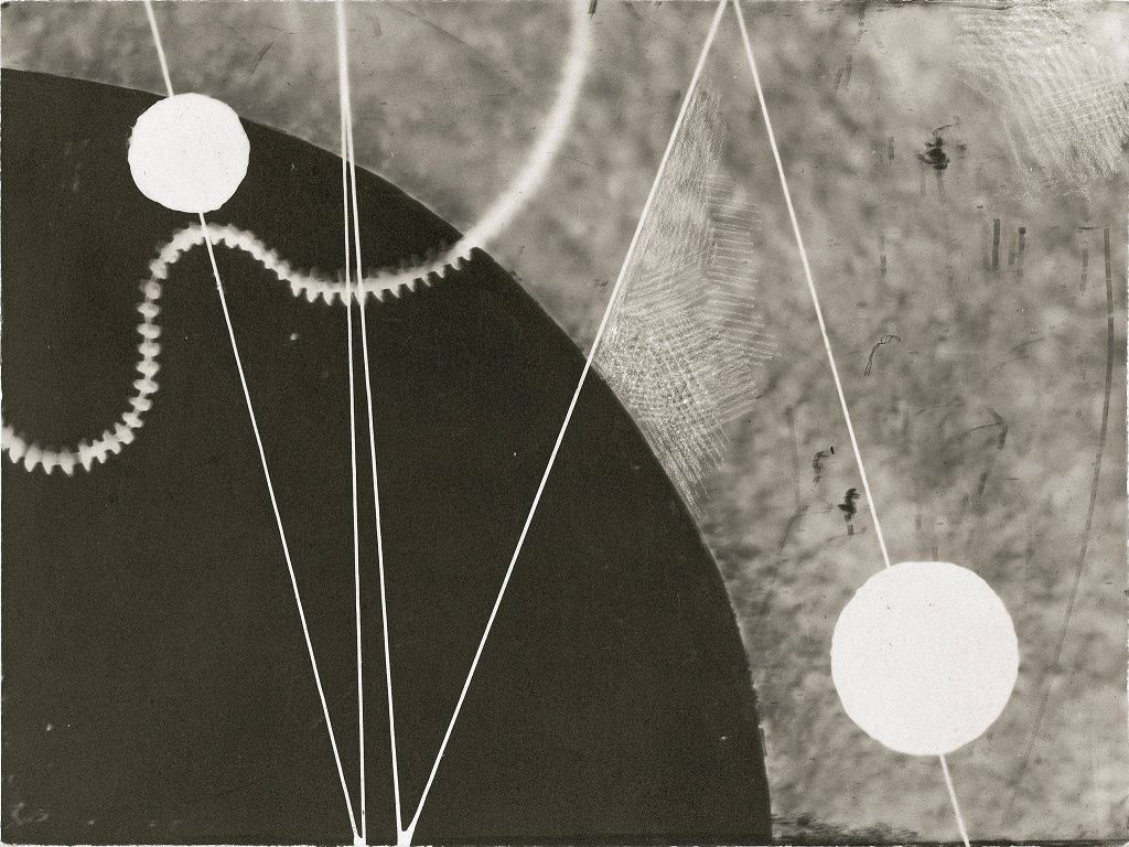 / Karol Hiller 'Kompozycja heliograficzna'. Wystawa 'Superorganizm. Awangarda i doświadczenie przyrody', Muzeum Sztuki w Łodzi