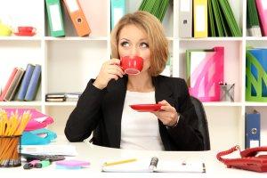 5 sposobów na to, żeby nie przytyć w pracy