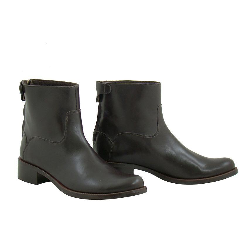 ea042576d1b5b Ochnik wprowadza kolekcję obuwia
