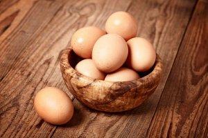 Biedronka wycofuje część jaj. Jest zagrożenie salmonellą