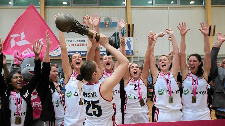 Koszykarki Energi po zdobyciu brązowych medali MP w sezonie 2014/15.