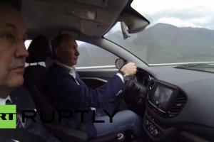 Putin promuje nową Ładę Vestę