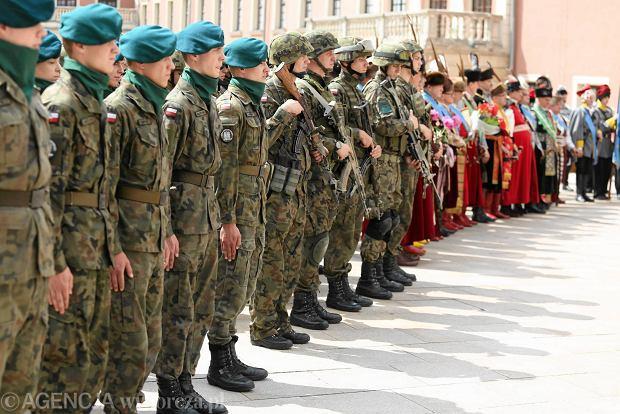 Zdjęcie numer 2 w galerii - Wojskowe pojazdy i broń. Legia Akademicka jedzie na Anakondę [ZDJĘCIA]