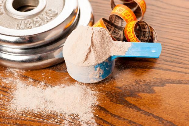 Białko serwatkowe - rodzaje, efekty, skutki uboczne stosowania