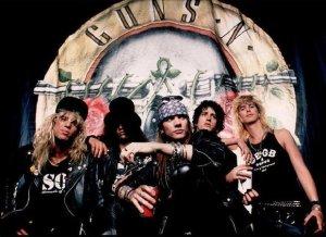 Axl Rose, Duff McKagan i Slash razem na scenie. Zespół Guns N' Roses, w której składzie obecnie znajdują się Axl Rose, Duff McKagan i Slash, przyjedzie do Polski i 20 czerwca zagra na Stadionie Energa Gdańsk.