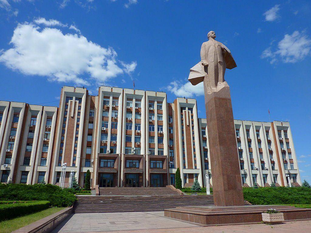 Tyraspol to ostatnie miejsce w Mołdawii, gdzie można jeszcze zobaczyć pomnik Lenina