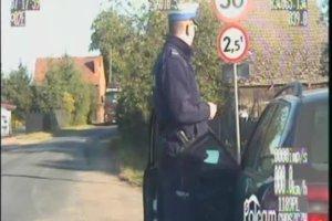 Na widok policjantów uciekł z ciężarówki na posesję. Okazało się, że nie miał uprawnień