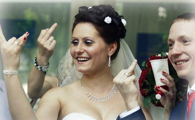 Zdjęcie numer 0 w galerii - Rosyjskie zdjęcia ślubne to klasa sama w sobie. Co tu się dzieje?!