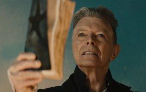 """Dwa dni po swoich urodzinach i premierze nowego albumu """"Blackstar"""", po 18 miesiącach ciężkiej choroby zmarł David Bowie. Artysta, wizjoner, muzyczny kameleon i ikona stylu."""