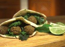 Falafel z zielonym tahini [Jakub Kuroń gotuje] - ugotuj