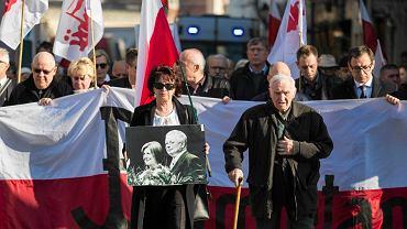 Marsz w Krakowie w 7. rocznicę katastrofy smoleńskiej.