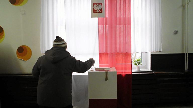Wybory samorządowe 2018. Będzie problem ze zbieraniem podpisów na listach poparcia