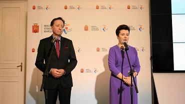 Hanna Gronkiewicz-Waltz i Witold Pahl podczas konferencji prasowej w sprawie audytu dot. reprywatyzacji w Warszawie