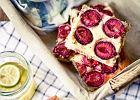 <strong>Śliwki</strong> w <strong>ciastach</strong>, deserach i do mięsa. 10 przepisów, które musisz wypróbować, nim sezon dobiegnie końca