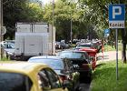 Parkowanie w Warszawie: czy i kiedy b�dzie wi�cej parkomat�w? [MAPA]