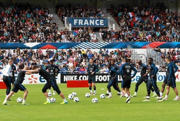"""""""Transmisje online za darmo na Euro 2016"""". Jak oglądać i nie dać się naciągnąć"""