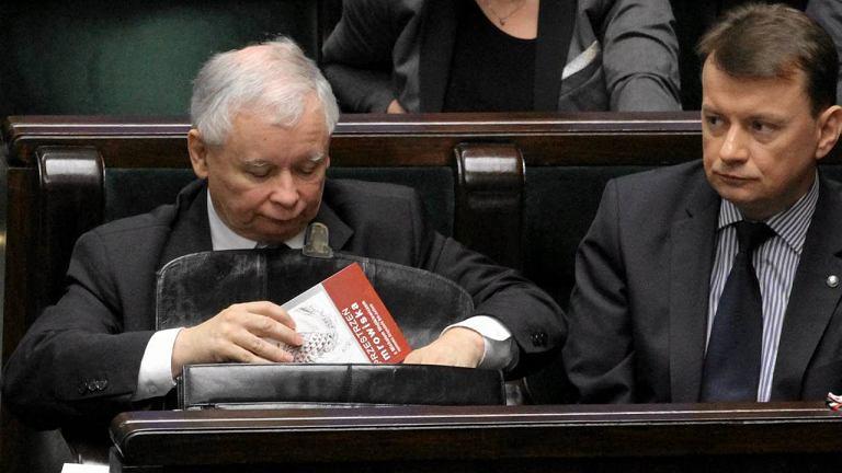 Prezes PiS Jaroslaw Kaczynski po glosowaniach