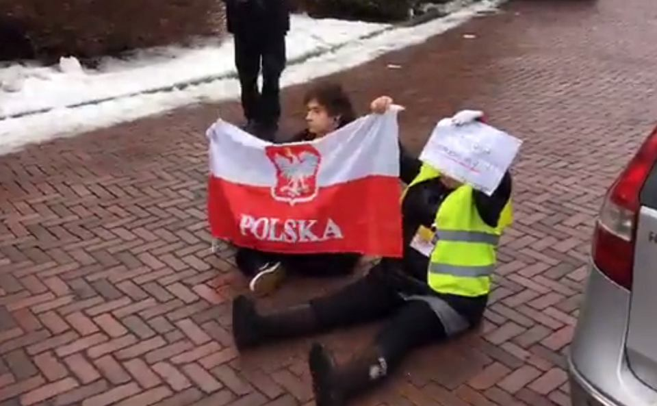 Straż Marszałkowska interweniuje w Sejmie podczas protestu Obywateli RP