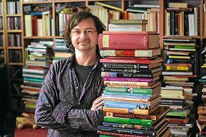 """Szpieg z krainy masła - rozmowa z Bogusławem Deptułą, autorem książki """"Literatura od kuchni"""""""