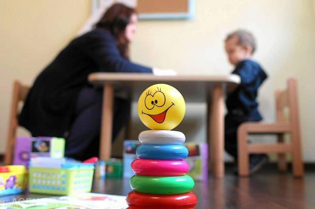 Rodzice mogą zarówno pomóc, jak i przeszkodzić dziecku w skutecznej adaptacji.