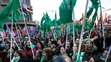 14.06.2018, radość na ulicach Buenos Aires po zalegalizowaniu aborcji w Argentynie.