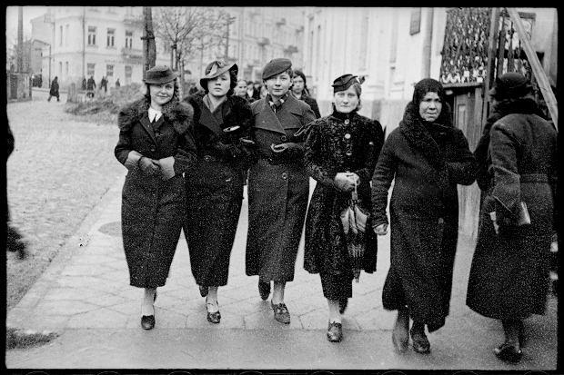 Zdjęcie numer 15 w galerii - Zdarzyło się... 1 listopada 1936 roku. Niepublikowane zdjęcia sprzed 81 lat
