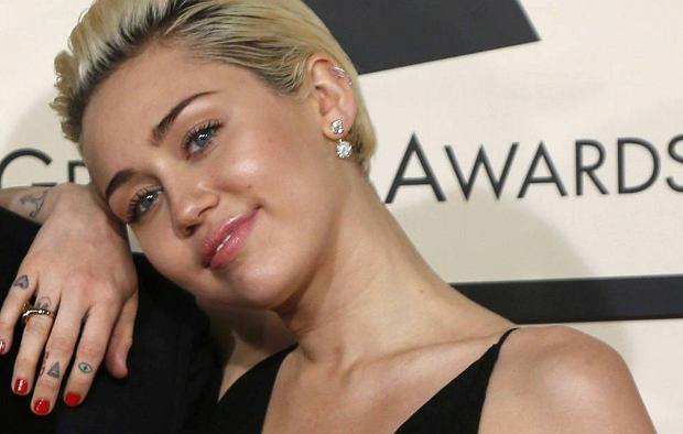 Zatka�o nas. Miley Cyrus gwiazd� Festiwalu Film�w Porno. Media maj� u�ywanie: Bez Grammy, ale mo�e znajdzie nisz� dla swoich talent�w