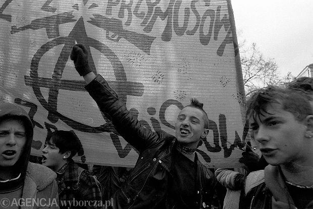 Demonstracja anarchistów w Warszawie w 1992 r.