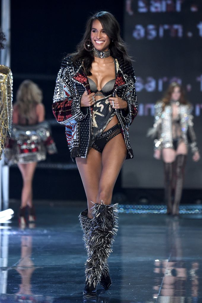 62017 Victorias Secret Fashion Show In Shanghai - Show / Theo Wargo / Getty Images for Victorias Secr