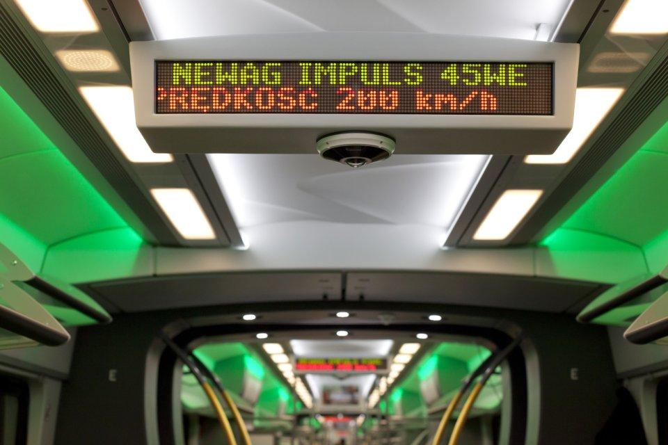 Bicie rekordu prędkości polskiego pociągu Kolei Mazowieckich