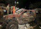 Samochód zniszczony w zamachu w Mogadiszu