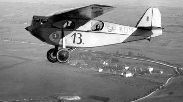 Polski samolot sportowy RWD 4 w locie, lata 30.