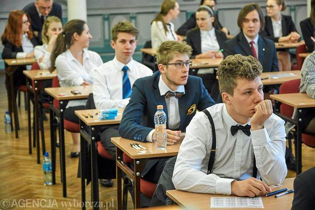 Matura 2018. Już niedługo abiturienci przystąpią do egzaminu z chemii.