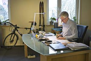 Cyklista rz�dzi Poznaniem