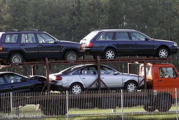 Rekordowy import samochodów używanych. 500+ i zmiana akcyzy zrobiły swoje