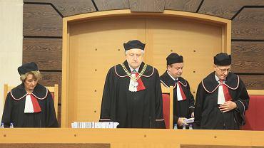 Sędziowie Trybunału muszą walczyć do końca!