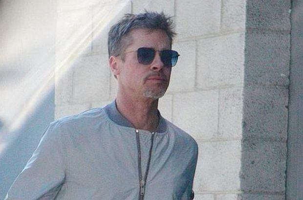 Brad Pitt nie tylko chudnie, ale wręcz niknie w oczach. Na nowych zdjęciach jest jak cień dawnego siebie.