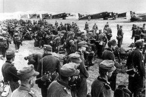 Greckie paragrafy na historię: jak opisywać II wojnę światową
