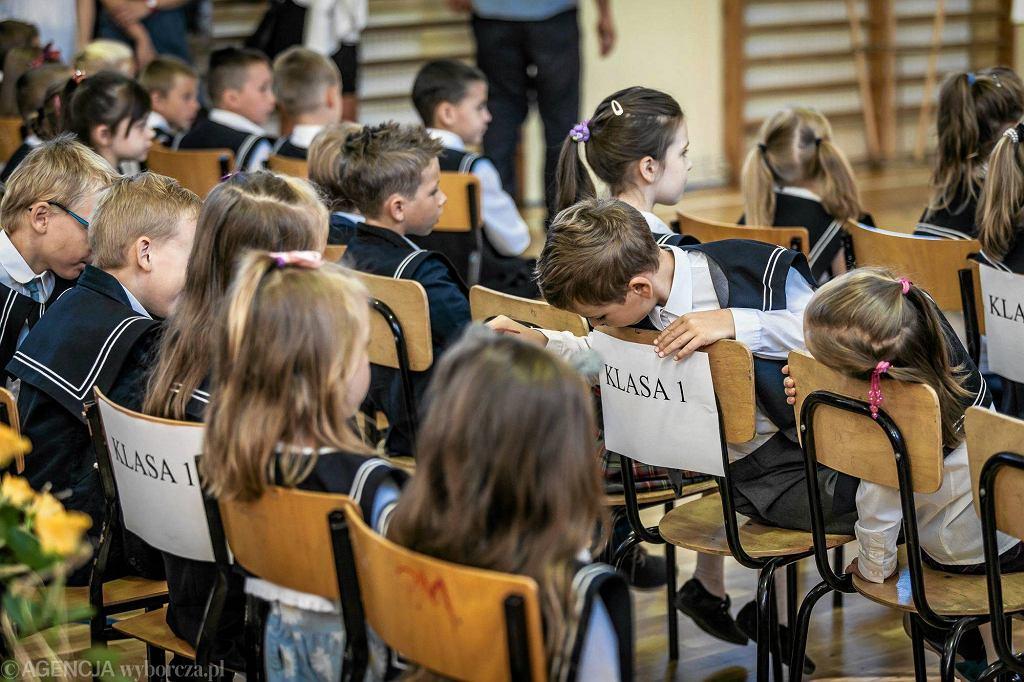 Rozpoczęcie roku szkolnego (zdjęcie ilustracyjne)
