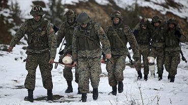 Żołnierze Sił Zbrojnych Bośni i Hercegowinie podczas górskich ćwiczeń