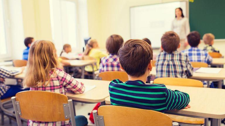 Przed nami reforma edukacji w Polsce, zmiany mają obowiązywać od roku szkolnego 2017/2018. Czy likwidacja gimnazjów i powrót do ośmioletniej podstawówki okaże się dobrą decyzją?