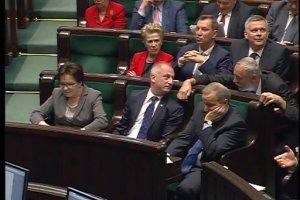 """Beata Szyd�o: """"Nie macie suwerenno�ci w sercach"""" i wypomina opozycji g�rnik�w, stoczniowc�w i biedne rodziny"""