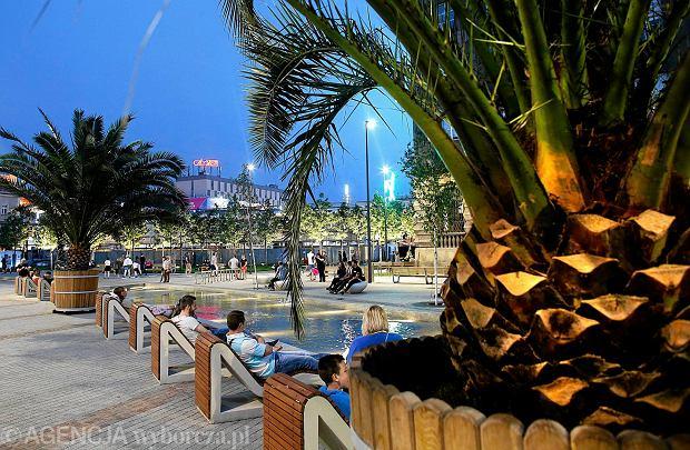 05.06.2016 Katowice . Wyremontowany rynek miejski .  Fot . Dawid Chalimoniuk  / Agencja Gazeta      SLOWA KLUCZOWE: rynek palma