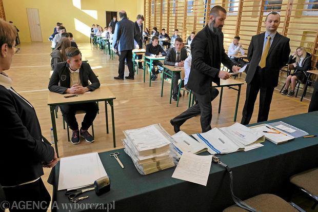 Egzamin gimnazjalny 2017. Historia i WOS. Mamy arkusze i zadania