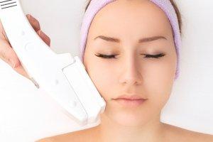 Epilacja: 10 pytań dotyczących laserowego usuwania włosków