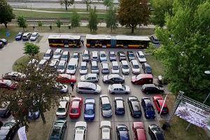 Dzień bez Samochodu w Warszawie. Kierowcy przesiadają się do autobusów