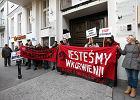 Reprywatyzacja w Warszawie. Protest lokatorów pod siedzibą Fenix Group