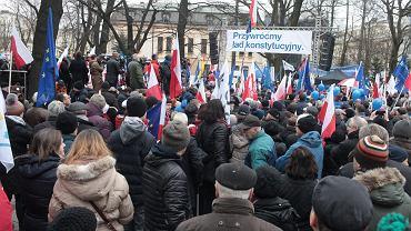 Manifestacja KOD pod Trybunałem Konstytucyjnym