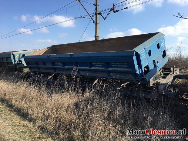 W Oleśnicy wykoleił się pociąg towarowy
